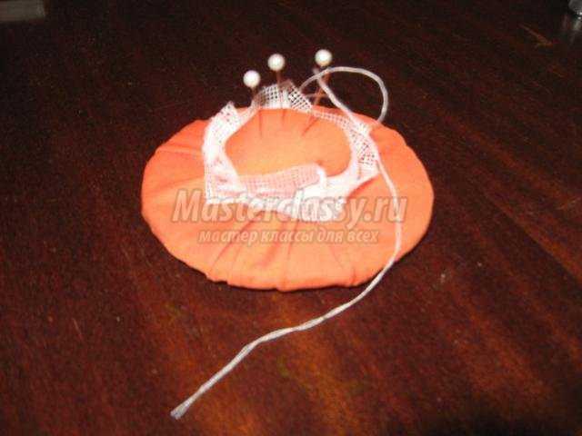 игольница-шляпка из ткани своими руками