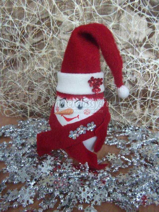 новогодние поделки. Весёлый снеговик из бутылочки