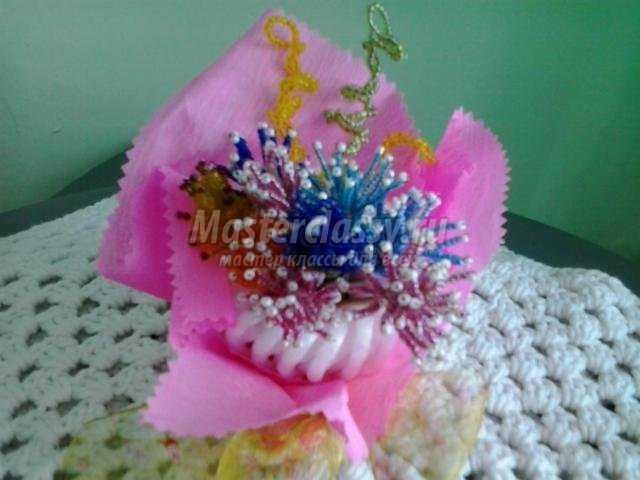 цветы из бисера своими руками к 8 Марта