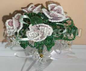 Подарки своими руками. Букет роз из бисера к 8 Марта. Мастер-класс с пошаговыми фото