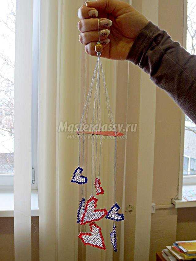 подвеска из бисера ко Дню Валентина. Мелодия сердец