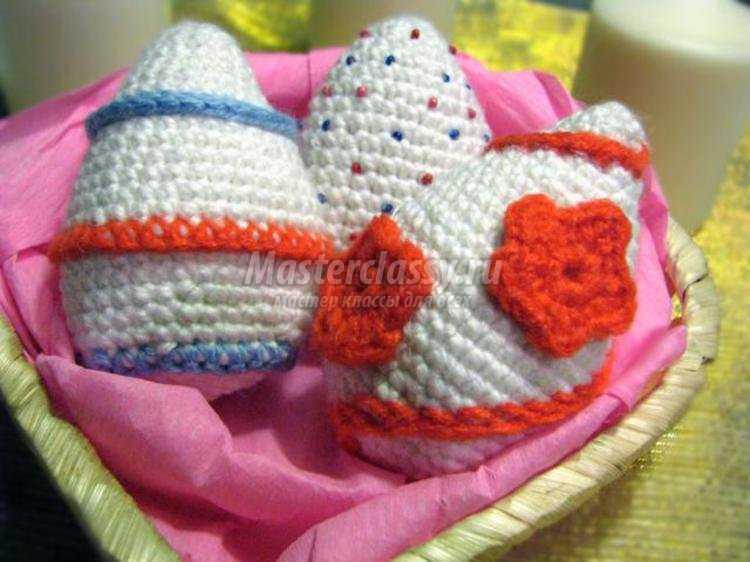 пасхальный набор из вязаных яиц крючком