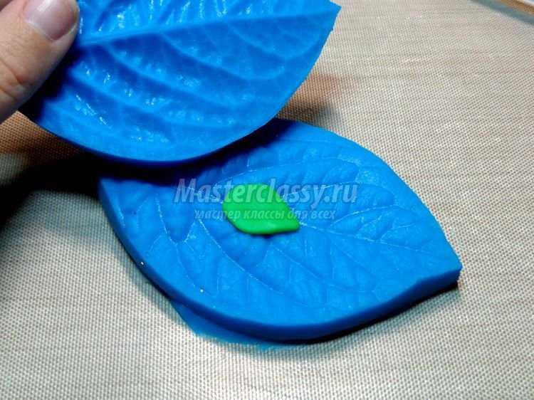 Цветочный браслет из полимерной глины