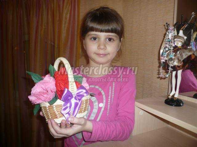 Цветы из салфеток маме на 8 марта своими руками 40