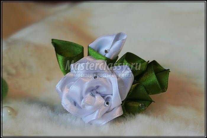 Как сделать цветы из лент канзаши