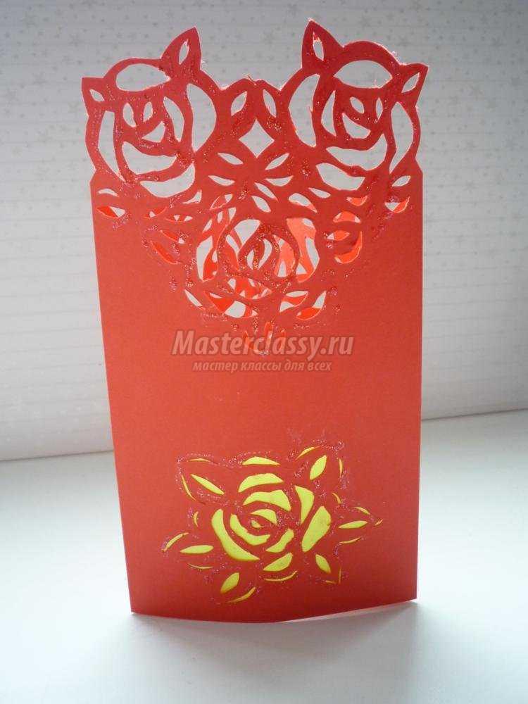 киригами. Контурная открытка с розами к 8 Марта