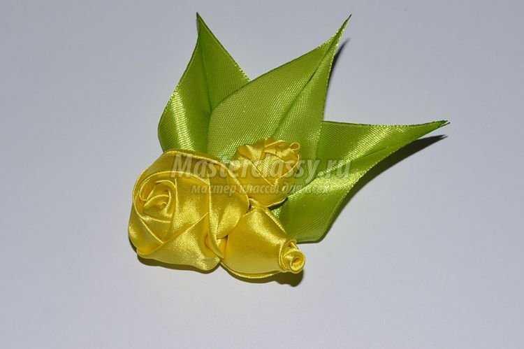 Цветы из лент – брошь жёлтый букетик