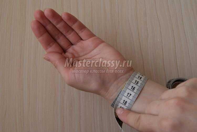 Как сшить игольницу на руку