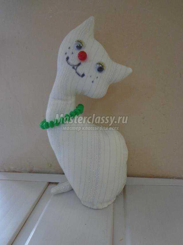 текстильная игрушка. Белая кошечка