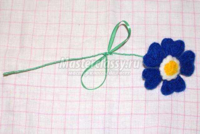 валяние из шерсти. Синий цветочек