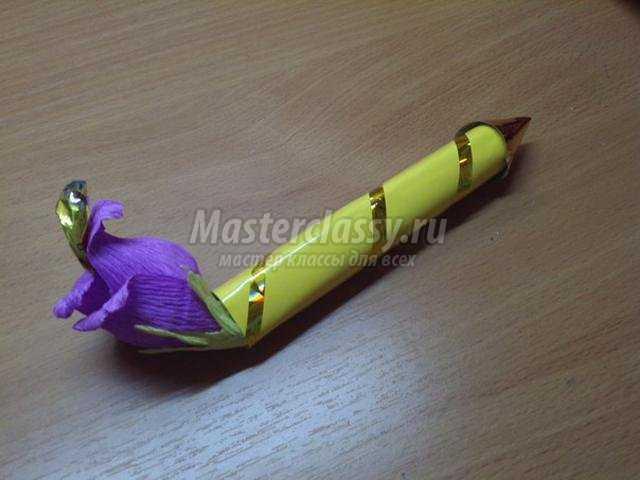 букет из конфет в миниатюре. Шоколадная ручка