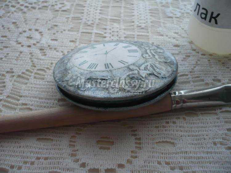 декупаж. Зеркальце в винтажном стиле под карманные часы