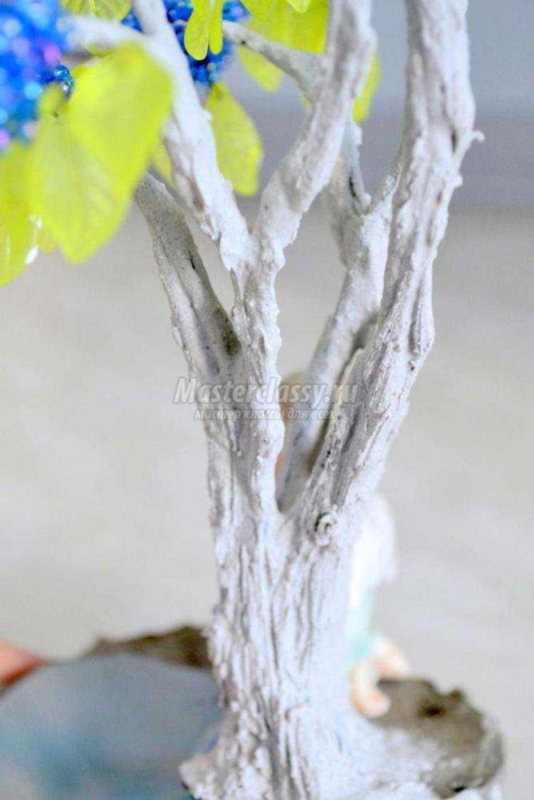 дерево из бисера. Цветущая сирень у озера