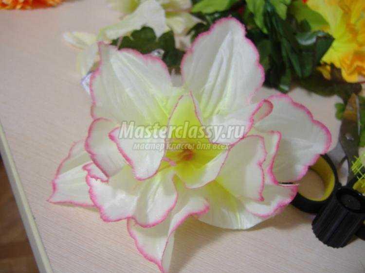 весенний топиарий из искусственных цветов
