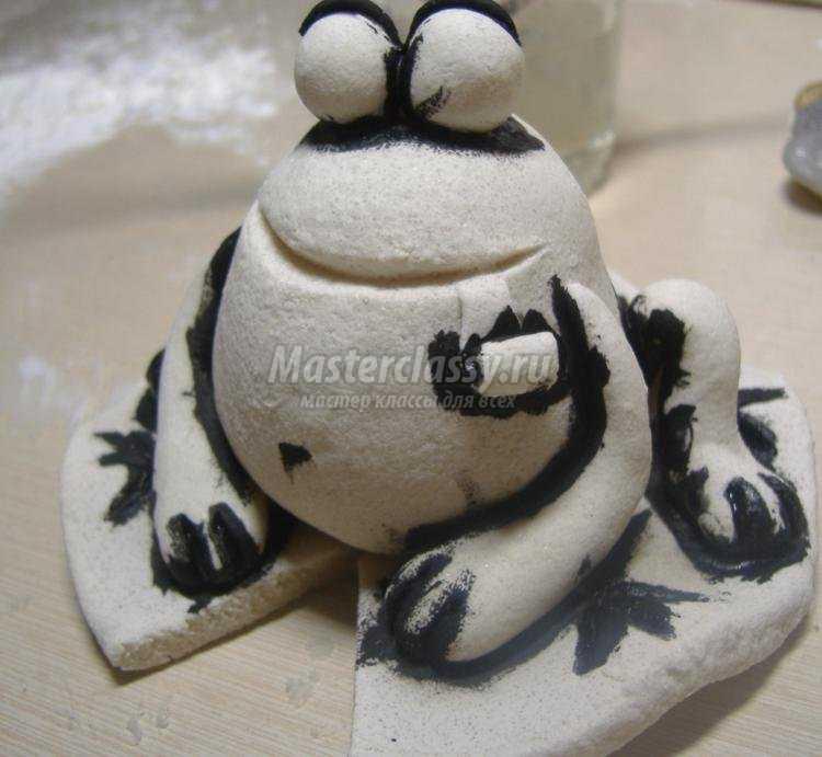 лягушка из соленого теста. Мастер-класс