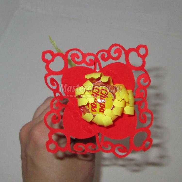 сладкий сувенир своими руками. Чупик-цветочек