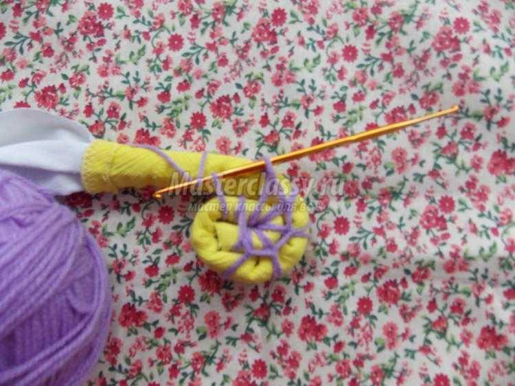 Вяжем коврики из ниток