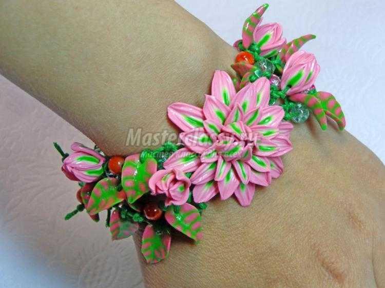 комплект украшений с цветами хризантемы из полимерной глины