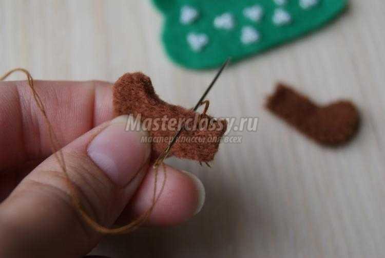 новогодняя елочка из фетра своими руками