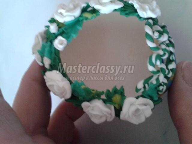 яйцо из полимерной глины. Домик с розами