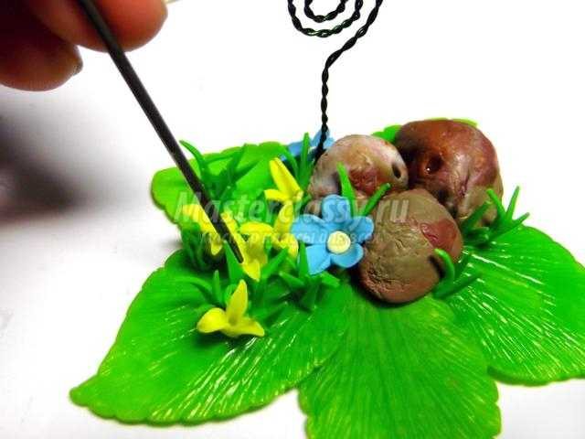подставка для фото из полимерной глины. Весна в лесу