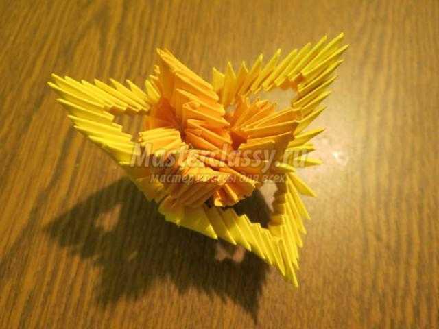модульное оригами. Царица цветов