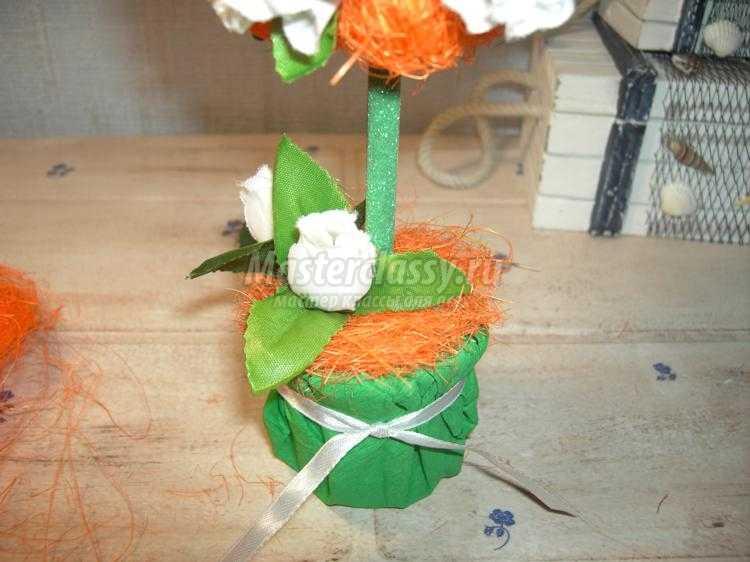 топиарий из сизаля с розами
