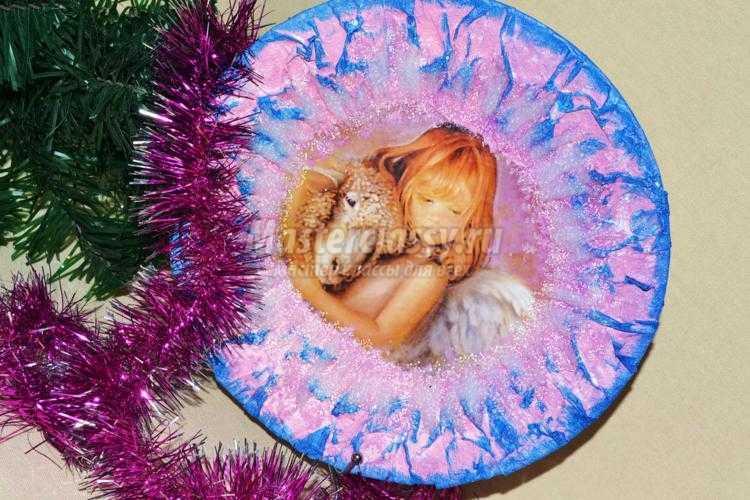 декупаж тарелки с символом 2015 года