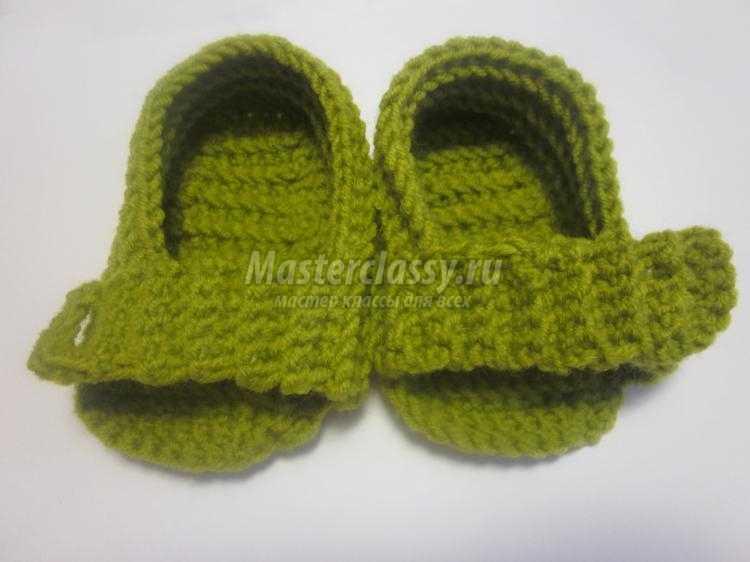 вязаные сандалики крючком для малышей