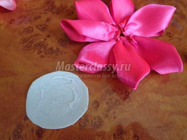 канзаши. Ободок с цветами из атласной ленты