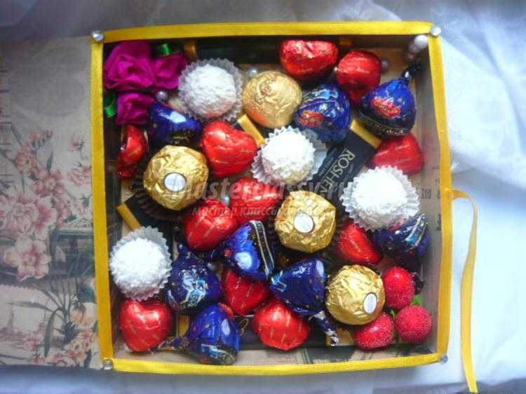 свит-дизайн конфетная композиция. Шоколадная коробочка