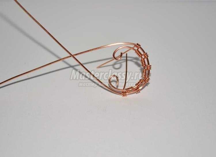 Wire Wrap. Браслет из медной проволоки с гранатом