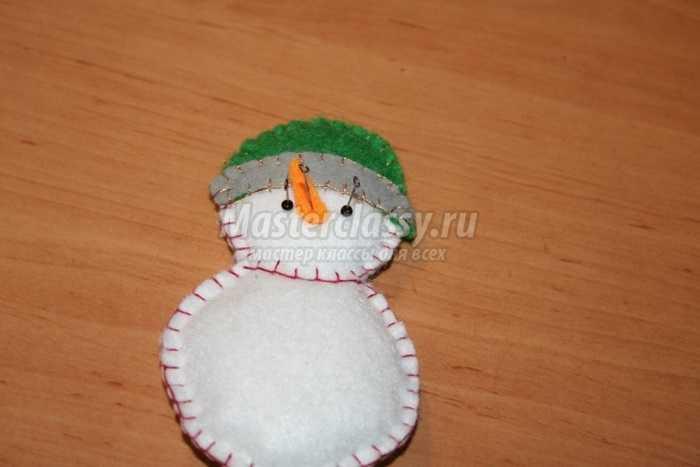 Как сделать снеговика?