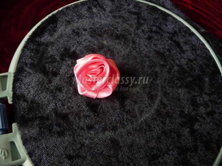 баночки-игольницы с вышивкой лентами