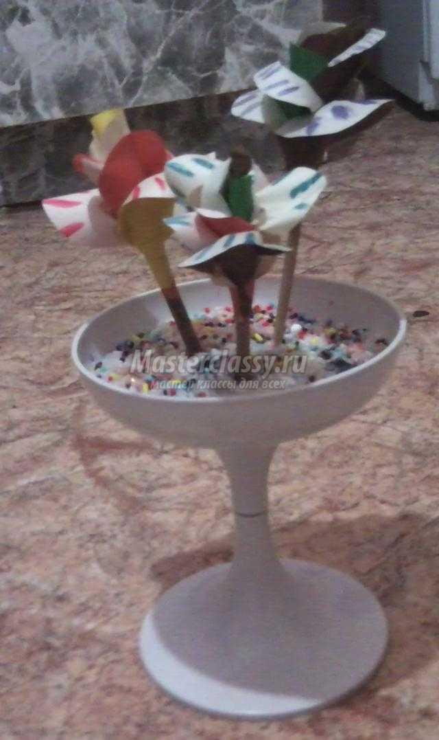 ваза с цветами из бумаги своими руками