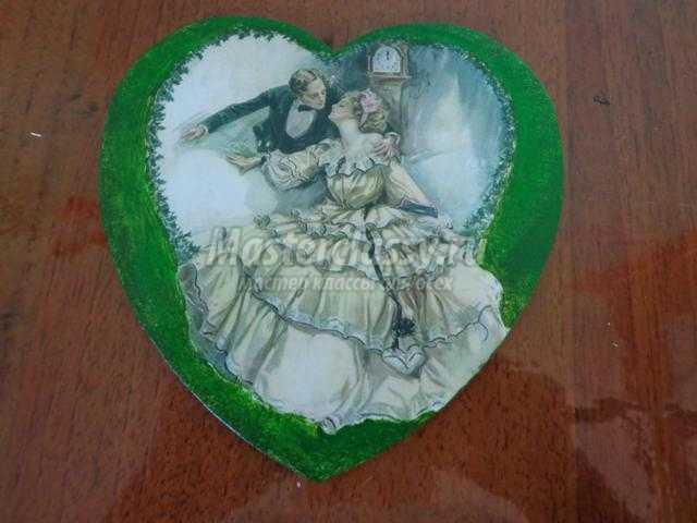 прямой декупаж деревянного сердца. Осень - время свадеб