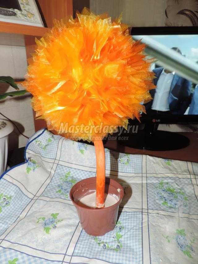 топиарий из органзы. Осеннее дерево