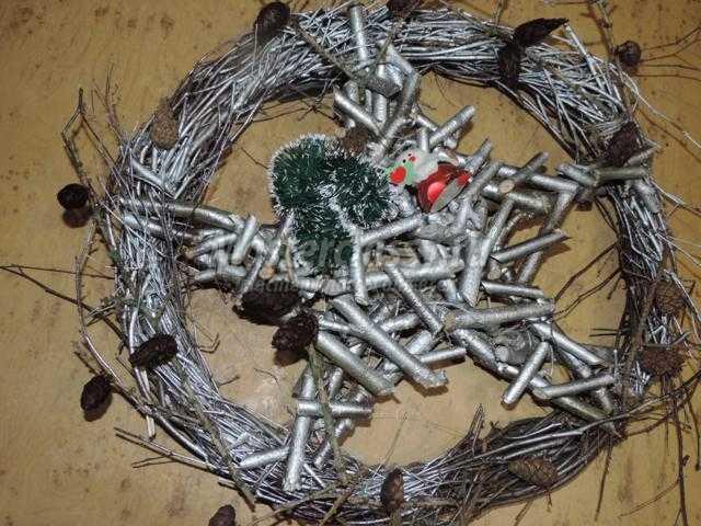 рождественский венок из веток своими руками