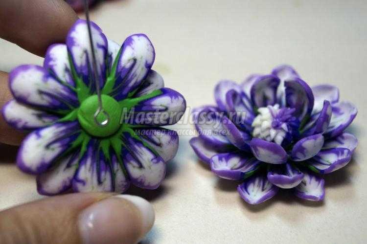 серьги из полимерной глины с сиреневыми цветами