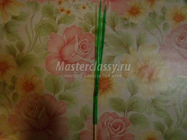 корзинка с крокусами из гофрированной бумаги