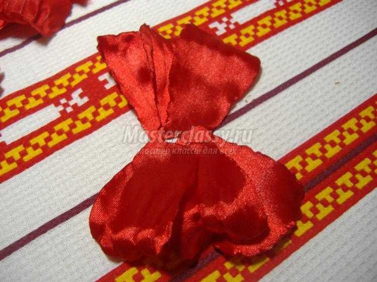 украинский венок с цветами из лент