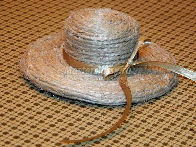 миниатюрная шляпка из бечевки своими руками