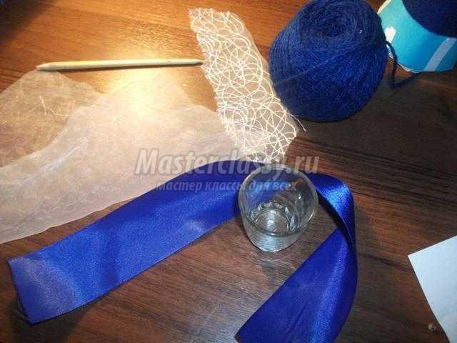 новогодний топиарий из пряжи. Синяя ёлочка