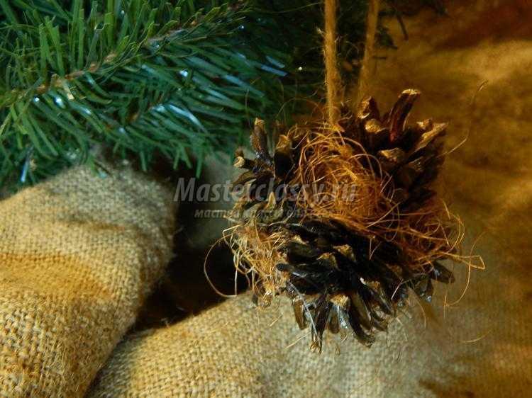 новогодние подвески из шишек своими руками