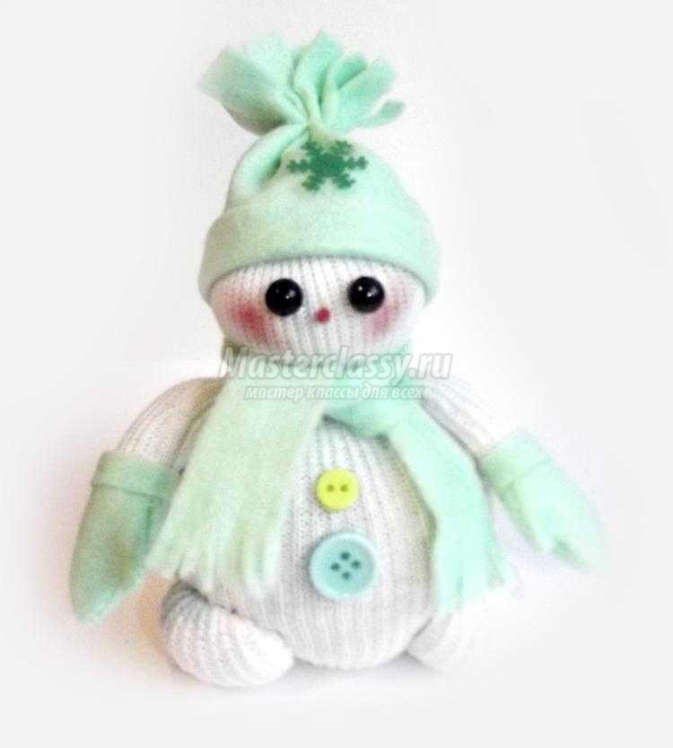 снеговик из колготок своими руками