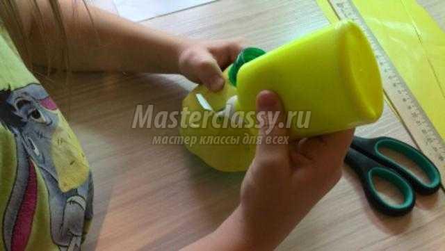 новогодний колокольчик из пластиковой бутылки