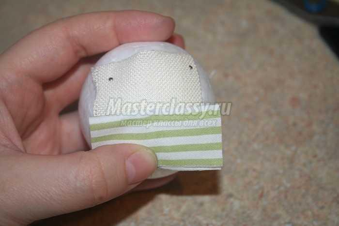 Новогоднее украшение из ткани в технике «Артишок»