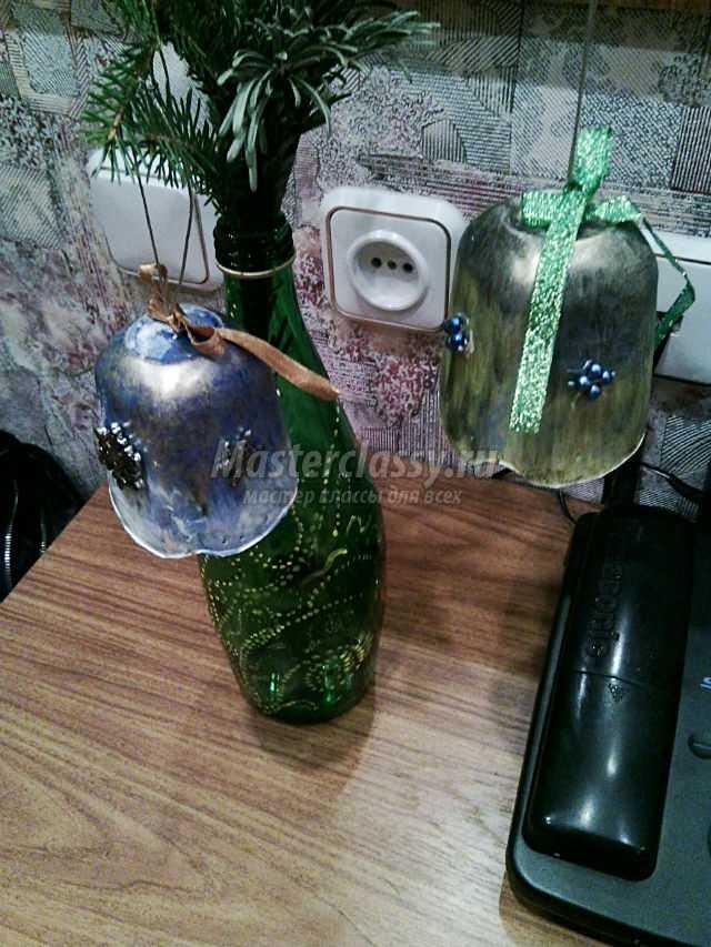 новогодний колокольчик из пластикового стаканчика