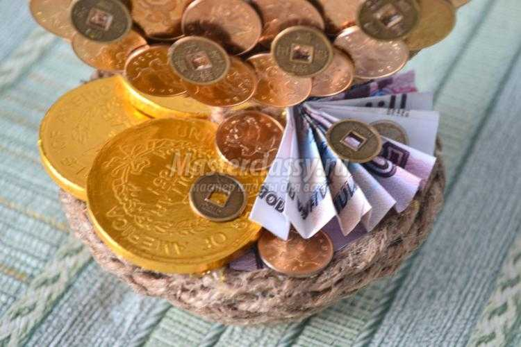 Подкова из монет 5 копеек 2000 сп