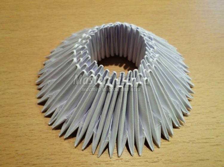 модульное оригами. Дед Мороз своими руками
